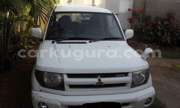 Acheter Voiture Mitsubishi Pajero Blanc à Mairie en Bujumbura