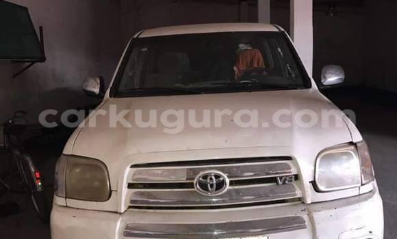Acheter Voiture Toyota Tundra Blanc à Mairie en Bujumbura